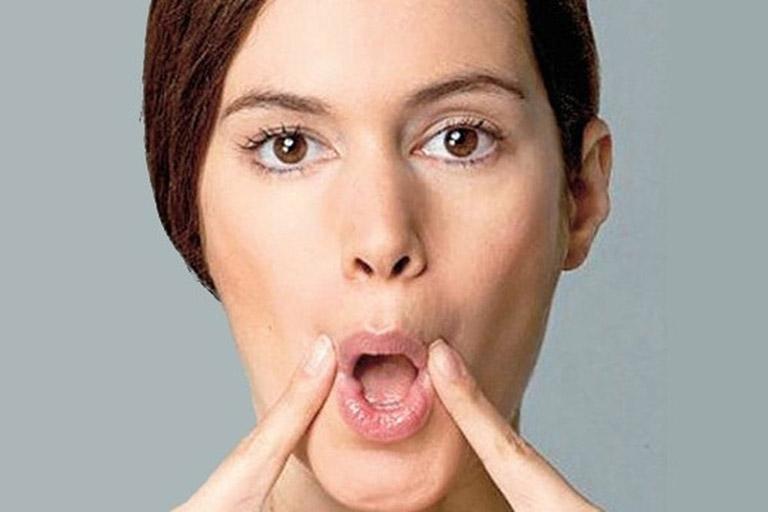 Triệu chứng bệnh zona ở môi