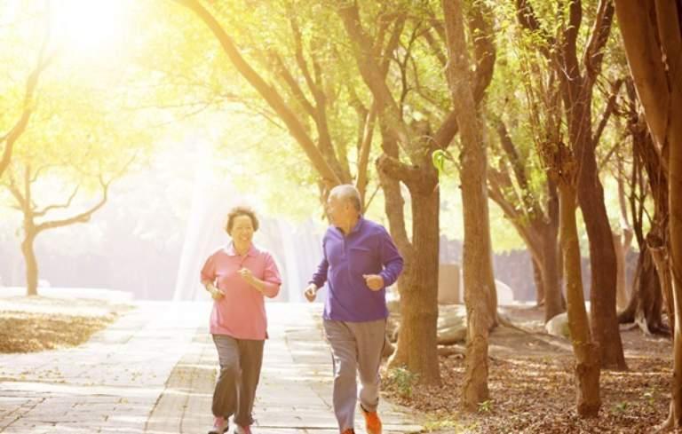 Chạy bộ để phòng ngừa viêm tràn dịch khớp gối