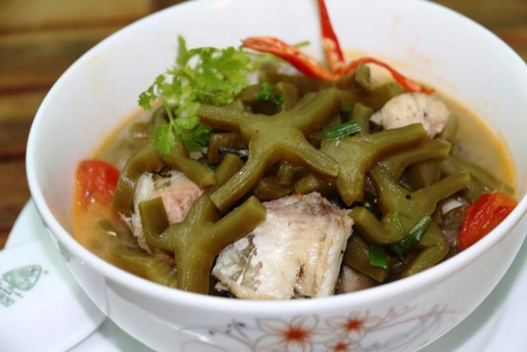 Món ăn xương rồng nấu cá có tác dụng giảm đau, hỗ trợ điều trị thoái hóa đốt sống cổ rất tốt