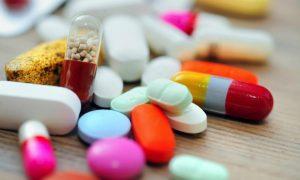 Trên thị trường có rất nhiều dạng thuốc chữa tiêu chảy. Một số loại thuốc uống điều trị tiêu chảy là: Loperamide, Pepto-Bismol, Racecadotril,...