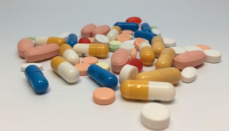 Bệnh bạch biến vẫn chưa có thuốc đặc trị. Người bệnh sẽ được chỉ định dùng một số loại thuốc kích thích da sản sinh Melanin.