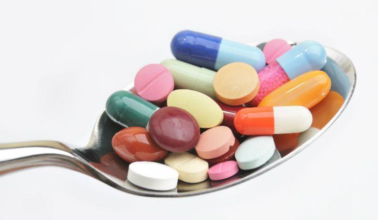 Thuốc trị bệnh bạch biến là các loại thuốc kích thích cơ thể sản xuất Melanin.