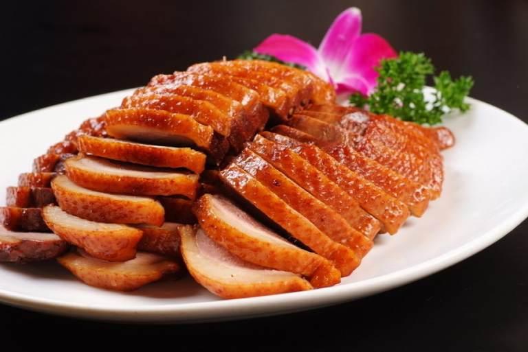 Không ăn thịt vịt được chế biến theo dạng chiên, rán, quay, nướng