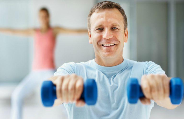 Người bệnh tiểu đường cần tập luyện thể dục hàng ngày, kiểm soát cân nặng, ăn uống khoa học,... để cải thiện tình trạng bệnh.