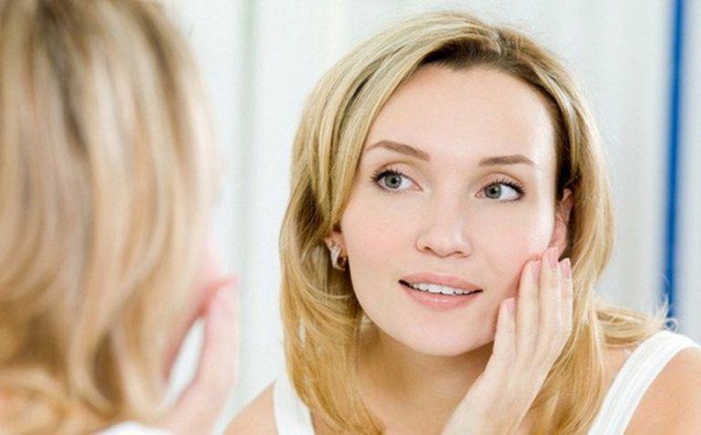 Hồi xuân gây lão hóa da và da bắt đầu có những thay đổi rõ rệt như khô da
