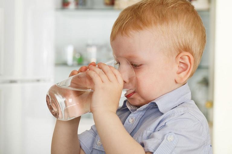 cách chữa đầy bụng khó tiêu cho bé