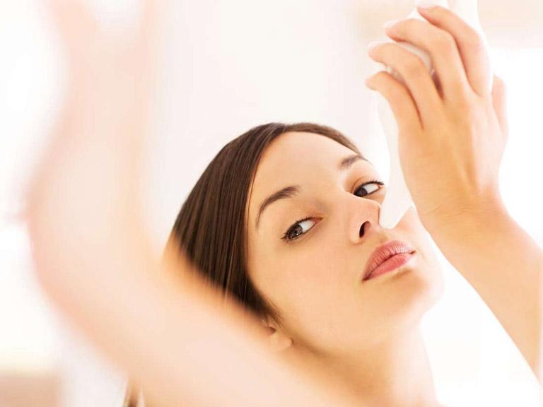cách vệ sinh tai khi bị viêm tai giữa