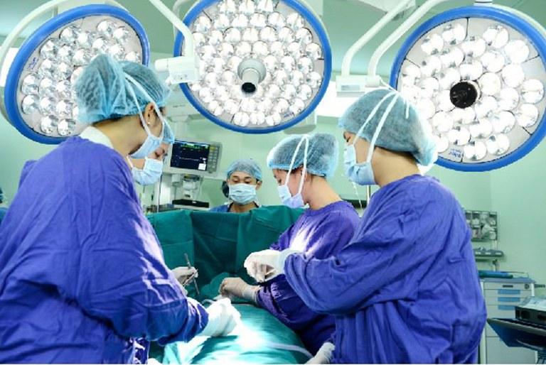 Cắt trĩ bằng phương pháp Longo có nhiều ưu điểm, được nhiều bệnh nhân lựa chọn thực hiện