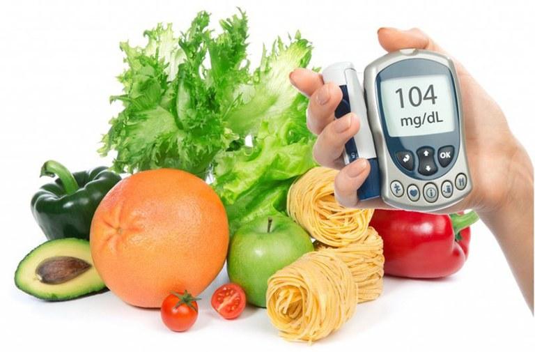 Chế độ dinh dưỡng hợp lý giúp kiểm soát tình trạng bệnh tiểu đường và làm chậm các biến chứng