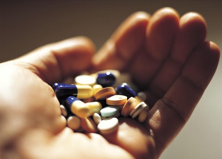 Việc sử dụng thuốc giảm đau cũng nên cân nhắc kỹ