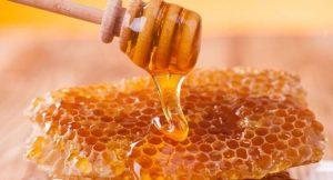 Chữa viêm tai giữa bằng sáp ong là phương pháp được nhiều người áp dụng