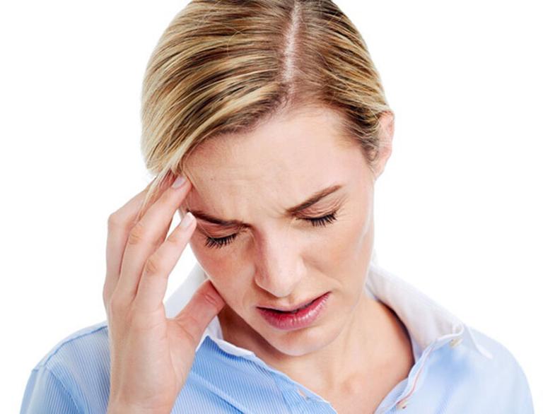 Lệch vác ngăn mũi thường xuyên gây ra những cơn đau đầu chóng mặt, ảnh hưởng đến sức khỏe