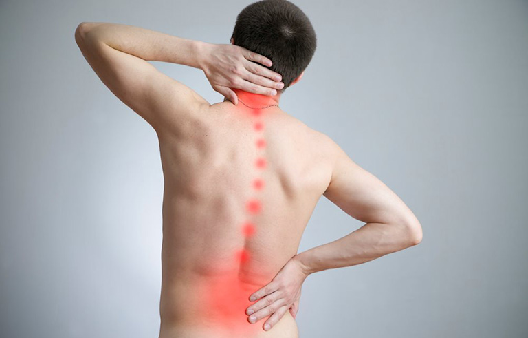 đau cột sống thắt lưng cấp