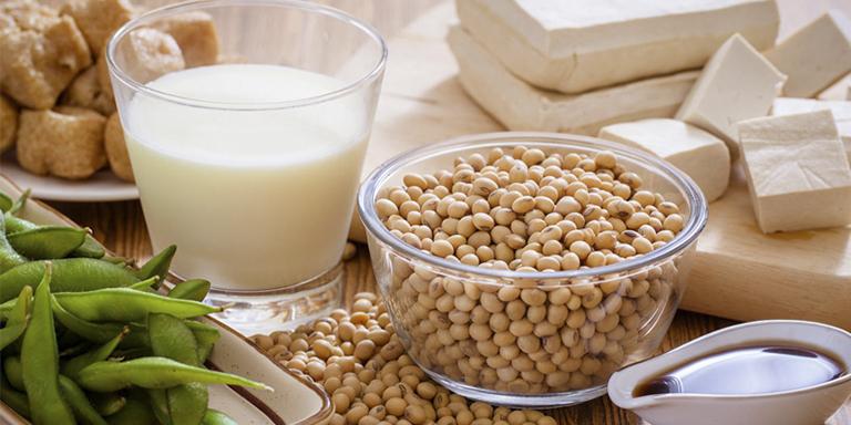 Đậu nành - thức ăn tăng cường sinh lý nữ