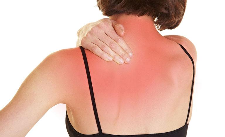 đau nhói sau lưng bên trái sau tim có nguy hiểm không
