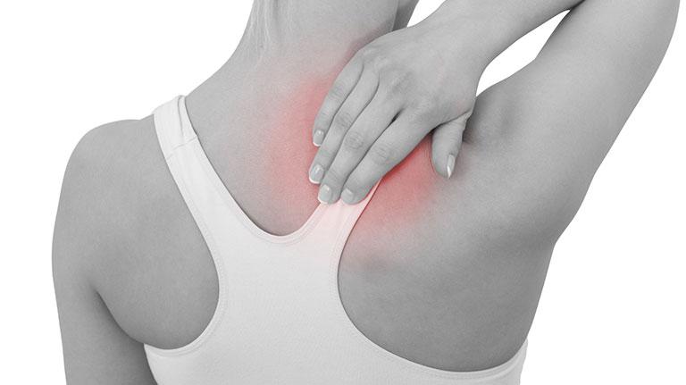 đau lưng trên bên phải là bệnh gì