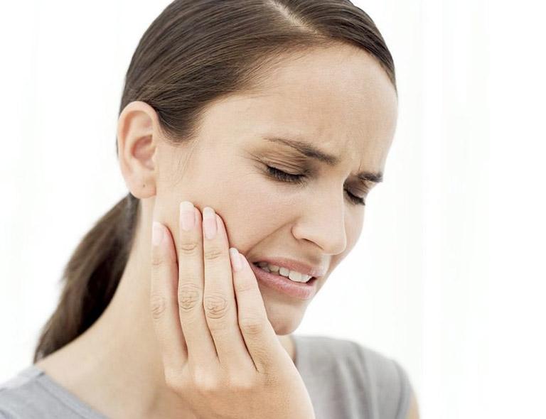 đau tai khi nhai