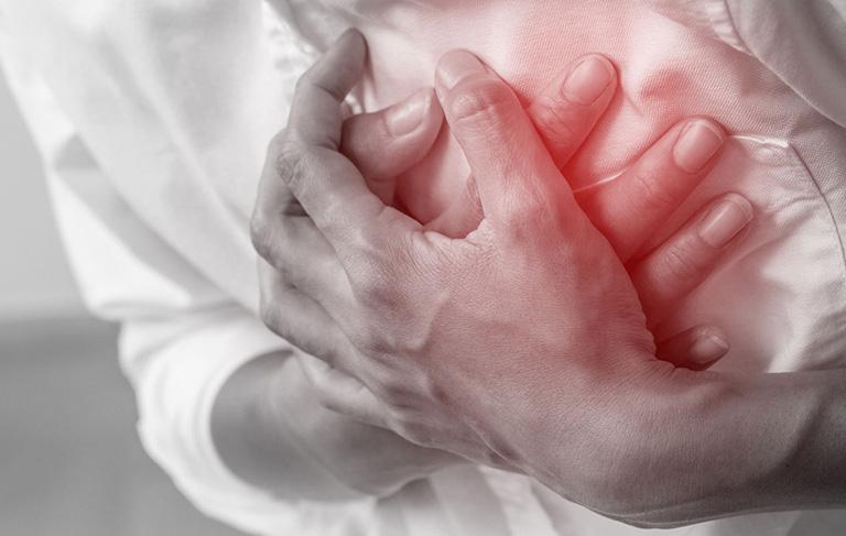 đau vai gáy bên trái là dấu hiệu bệnh gì