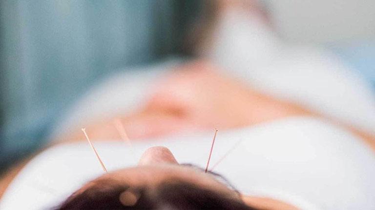 điều trị viêm mũi dị ứng bằng đông y