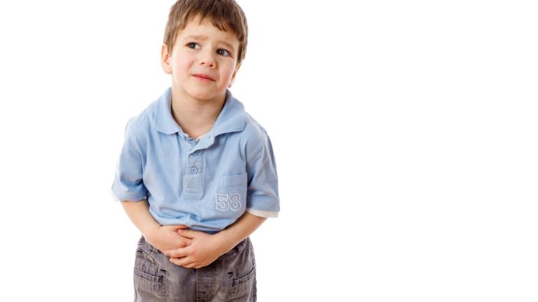 Triệu chứng bí tiểu ở trẻ là đau, căng tức vùng bụng dưới rốn, lượng nước tiểu ít, tia nước tiểu ít,...