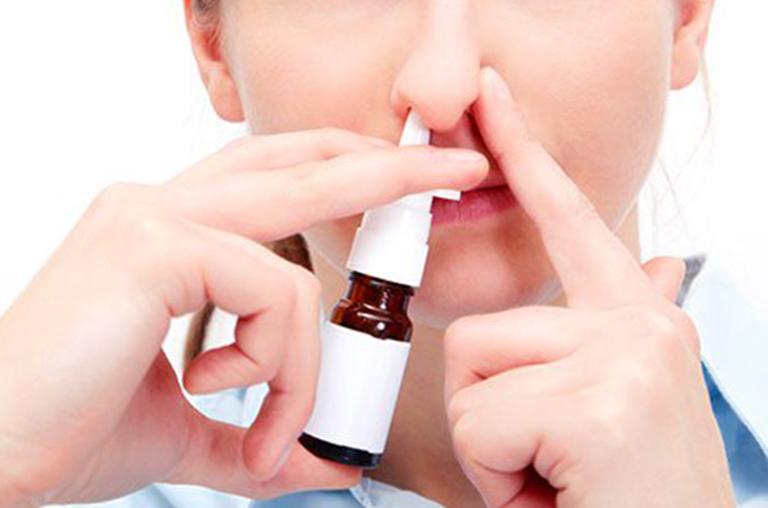 Những lưu ý khi sử dụng thuốc xịt mũi điều trị viêm mũi dị ứng