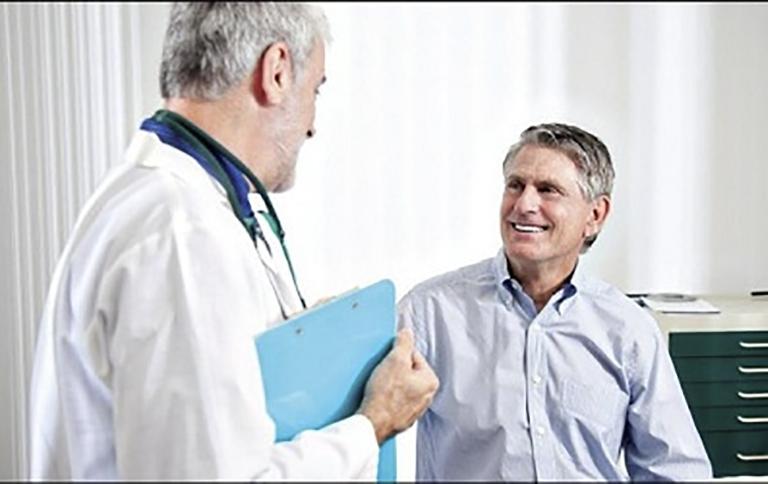 Sau phẫu thuật người bệnh nên tiến hành tái khám theo chỉ định của bác sĩ