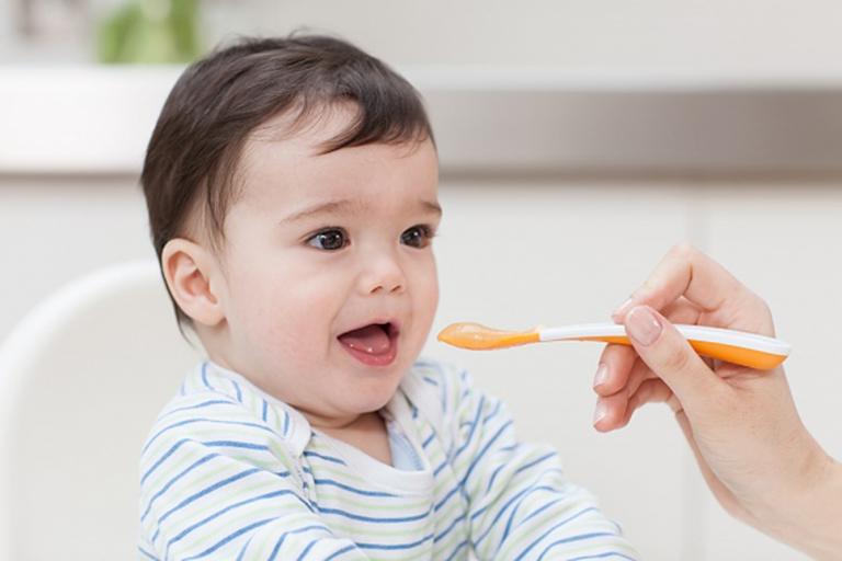 Bổ sung men vi sinh giúp hỗ trợ điều trị chướng bụng đầy hơi cho trẻ sơ sinh