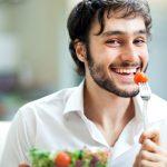 Sau cuộc yêu, nam giới cần ăn các loại thức ăn giúp phục hồi tinh trùng và phục hồi sức khỏe.