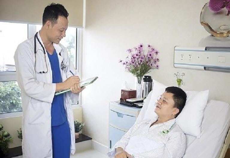 Sau phẫu thuật, bệnh nhân nên tuân thủ theo hướng dẫn của bác sĩ