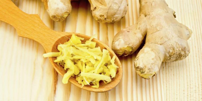 Món cháo gạo nếp gừng tươi giúp hỗ trợ làm giảm chứng đau dạ dày.