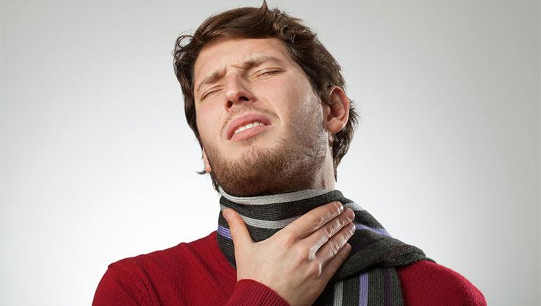 nuốt nước bọt bị đau họng có phải ung thư