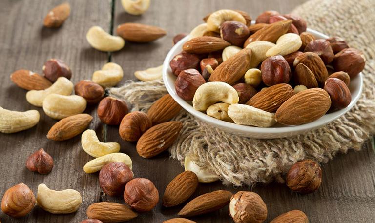 Quả hạch cũng là một trong những loại thức ăn rất tốt đối với những bệnh nhân bị tiểu đường