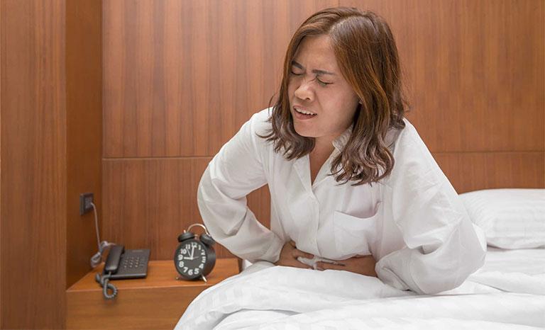 sáng ngủ dậy bị đau bụng đi ngoài