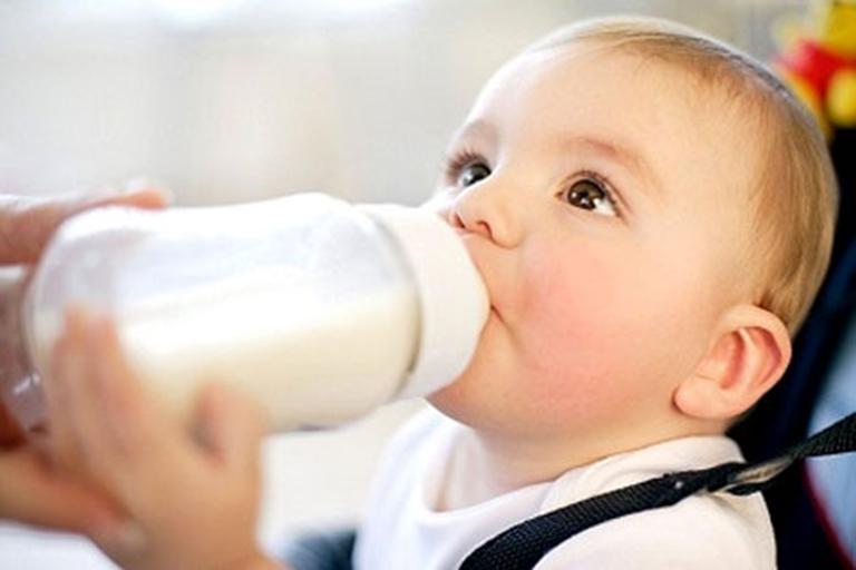Các loại sữa dành cho trẻ bị tiêu chảy tốt nhất hiện nay?