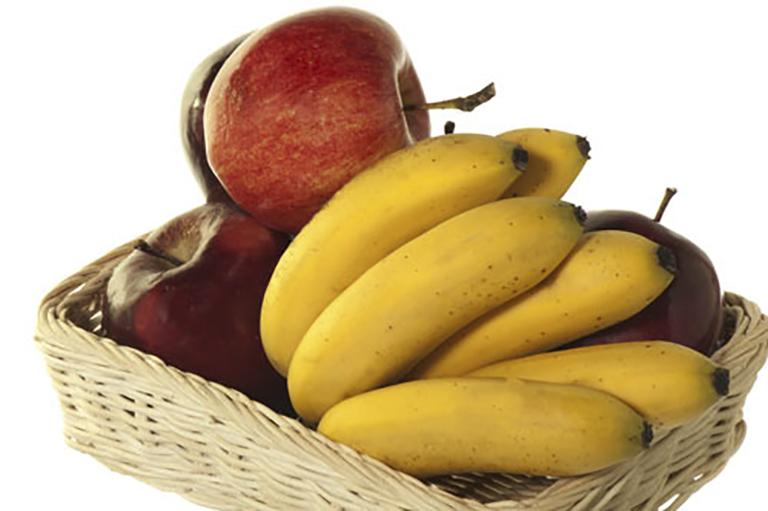 Chuối và táo là hai loại thực phẩm rất tốt cho cơ thể khi bị tiêu chảy