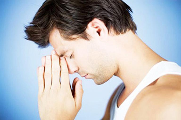 Các biến chứng sau có thể gặp sau khi thực hiện thắt búi trĩ bằng vòng cao su