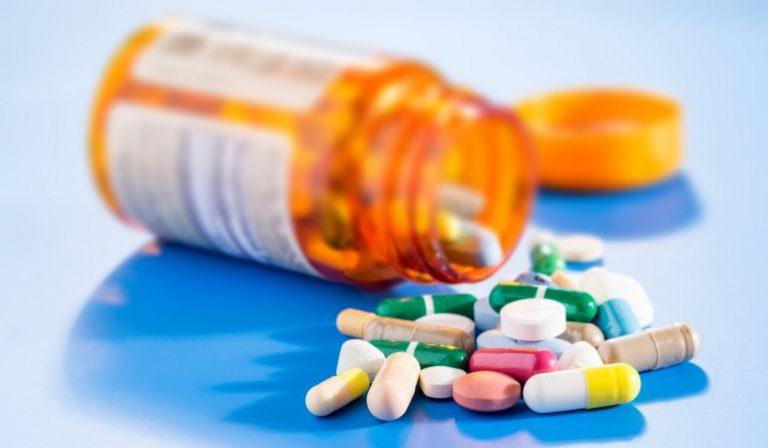 Thuốc điều trị đau rát cổ họng