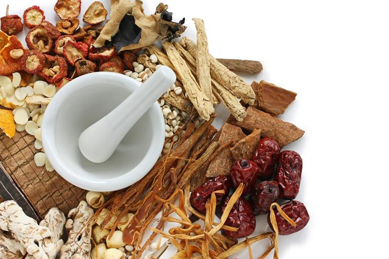 Các bài thuốc Đông y có tác dụng điều trị bệnh lâu dài, rất hiệu quả và an toàn