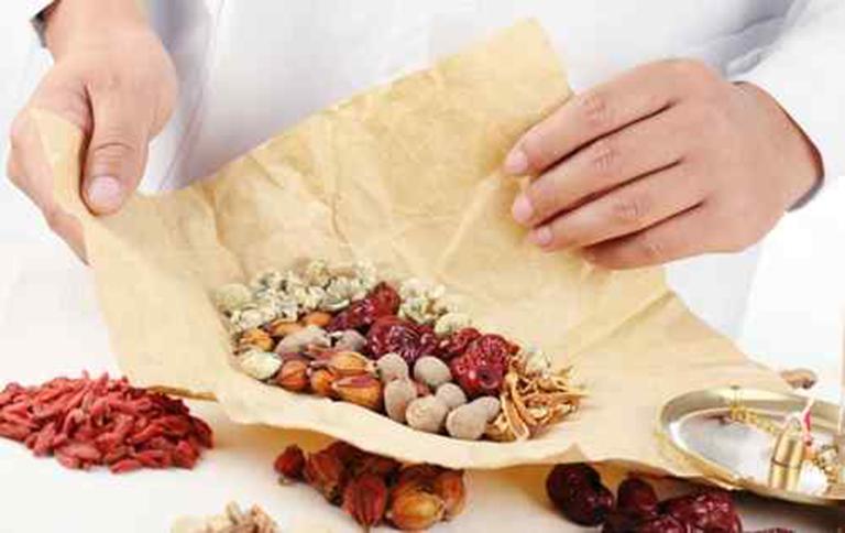 Các bài thuốc Đông y có tác dụng điều trị và nâng cao sức khỏe người bệnh