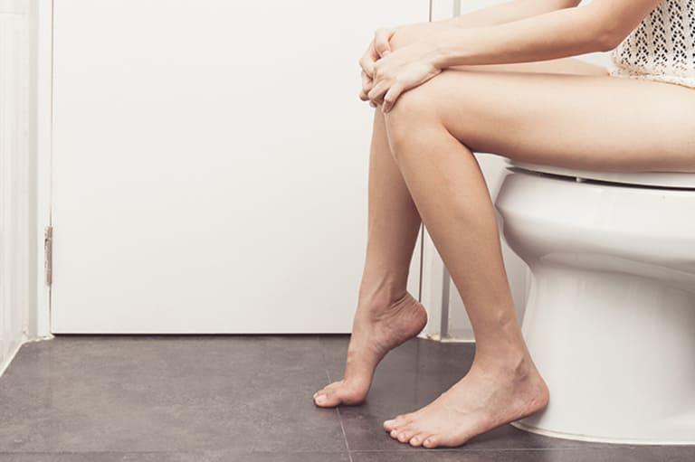Tiểu buốt là vấn đề thường gặp đối với phụ nữ sau sinh