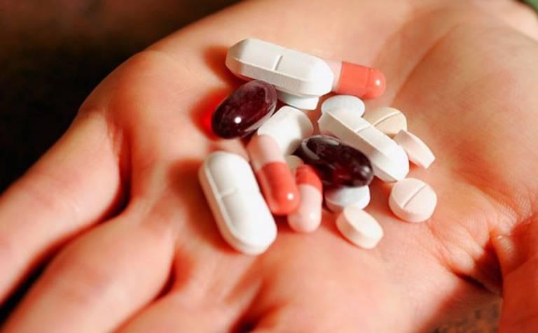 Không cho trẻ dùng kháng sinh hoặc thuốc cầm tiêu chảy khi nhiễm virus rota