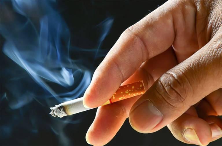 Hạn chế sử dụng thuốc lá nếu không muốn tinh trùng yếu