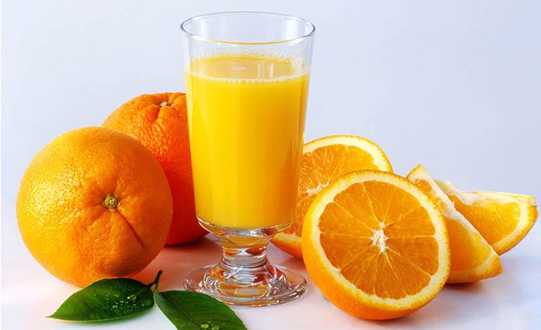 Cam giàu vitamin C giúp chống oxy hóa, ngăn các gốc tự do tấn công tinh binh