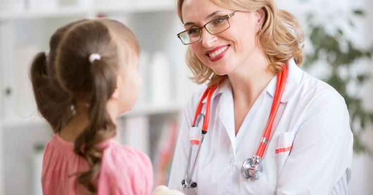 Nhanh chóng đưa trẻ thăm khám bác sĩ nếu tình trạng rối loạn tiêu hóa kéo dài