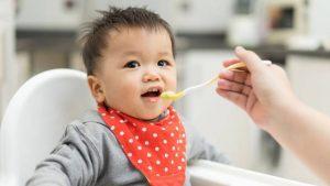 Trẻ bị viêm amidan nên ăn gì là thắc mắc chung của nhiều cha mẹ