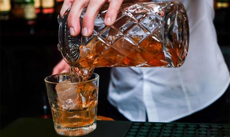 đau bụng đi ngoài sau khi uống rượu