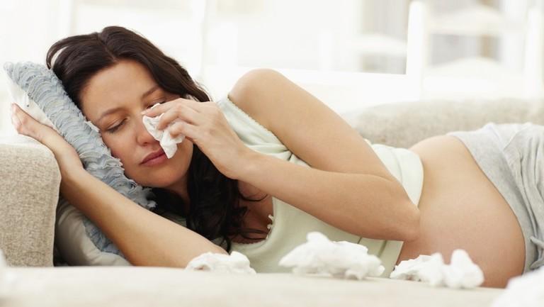 Viêm mũi thai kỳ có thể là nguyên nhân khiến mẹ bầu nghẹt mũi