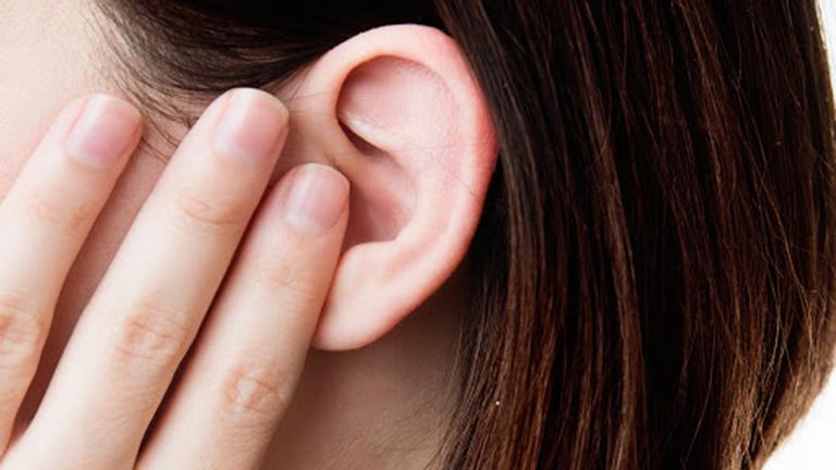 Viêm tai giữa gây ảnh hưởng đến sức khỏe và khả năng nghe của người bệnh