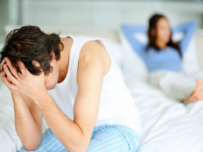 Viêm tuyến tiền liệt nam ở nam giới có thể gây rối loạn chức năng sinh dục thậm chí là vô sinh ở nam giới