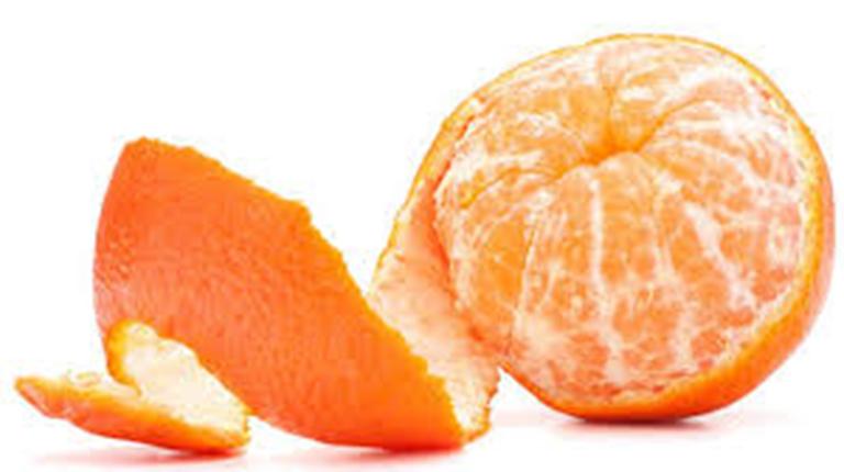 Vỏ quýt chứa nhiều vitamin C có tác dụng kháng viêm, giảm đau